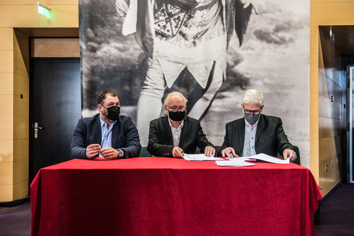 Potpisivanje-sporazuma-BDP-SNP-Novosadsko-pozorište-foto-D.-Petrović2